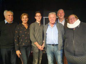 Die neue Vorstandschaft des Vereins Theater Strickerei